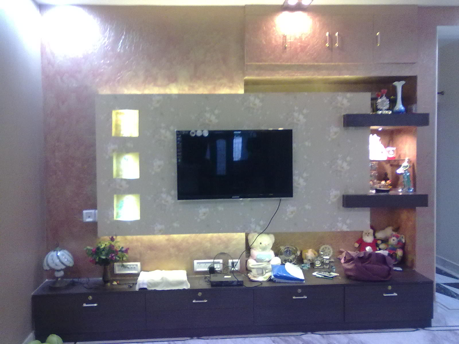 Image-LCD Cabinet